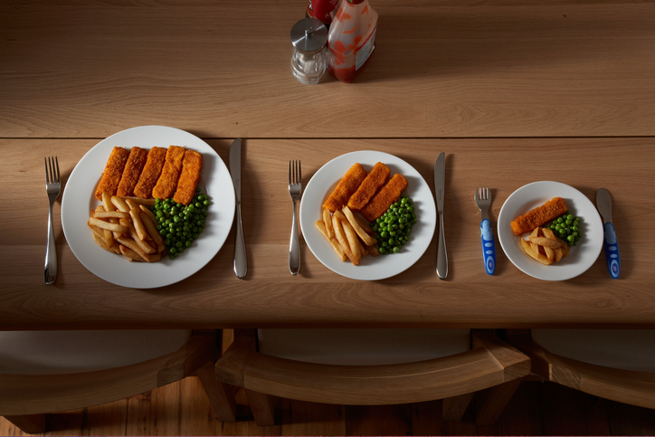 10 astuces pour manger en moins grande quantit homenal - Couper la faim sans manger ...