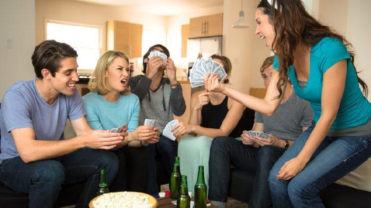 Voici 17 trucs et astuces pour organiser et réussir votre soirée jeux! Astuces pour l'intérieur